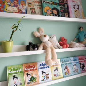 Police na knihy pre deti